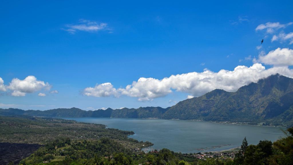 地球のチャクラ バトゥール湖 バトゥール山